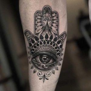 tatuajes de mano de Fatima