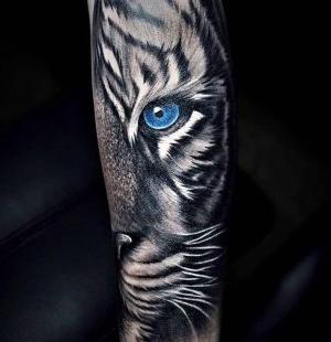 tatuaje de tigre para hombre
