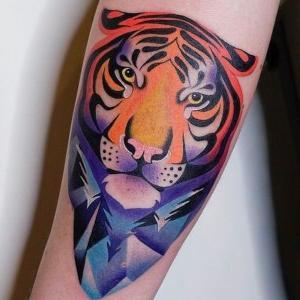 tatuajes de tigues a color