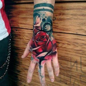 tatuaje acuarela mano