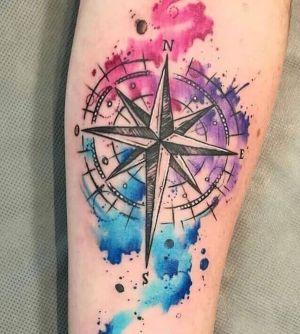 tatuaje acuarela rosa de los vientos