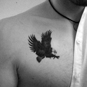 tatuaje de aguila pequeño