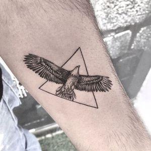 tatuaje pequeño de aguila