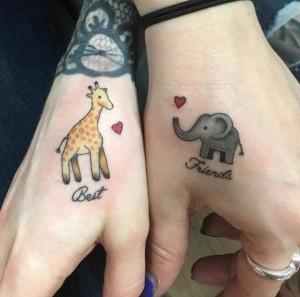 Tatuaje mejores amigas - jirafa y elefante
