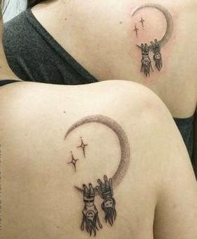 tattoo pareja amigas