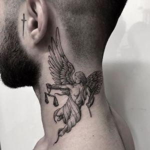 tatuaje de angel para hombre