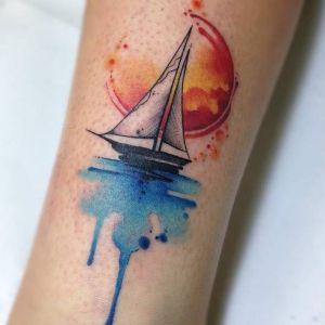 foto de tatuaje de barco
