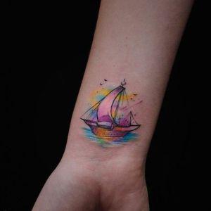 tatu de barco