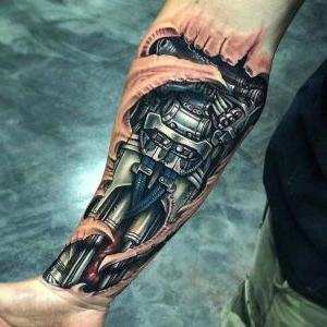 tatuaje biomecanico para hombre