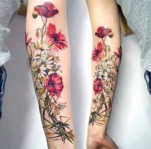 tatuaje en el brazo para mujer