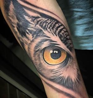 tatuaje de ojo de buho