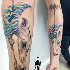 tatuaje de caballo en el brazo