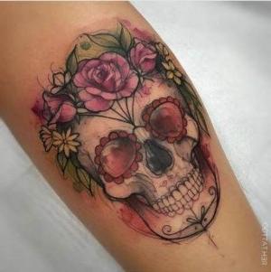 tatuaje femenino de calavera