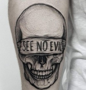 tatuaje puntillismo calavera
