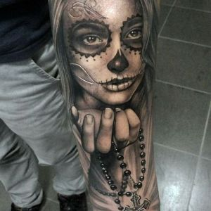 tatuaje de catrina y rosario