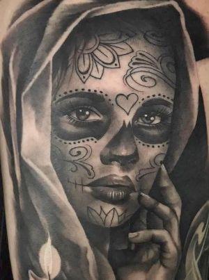 tatuaje en negro de catrina