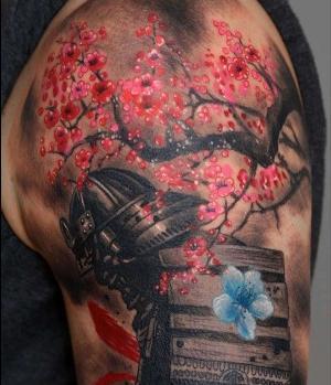 tatuaje de flores de cerezo y samurai