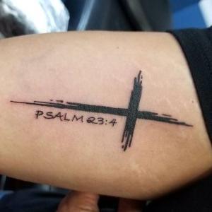 tatuaje de cruz con significado