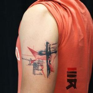 tatuaje de cruz para hombre
