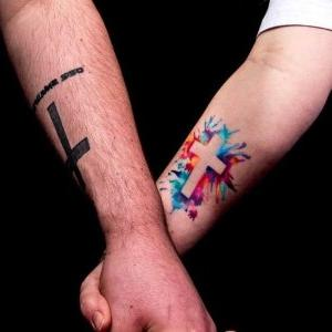 tatuajes de cruces para parejas