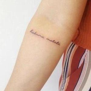 tatuaje hakuna matata