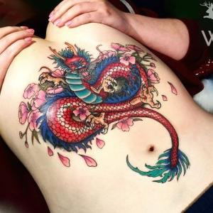 tatuaje de dragon a color