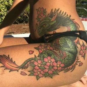 tatuaje sexi de dragon