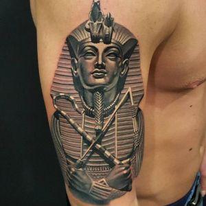 tatuaje tutankamon