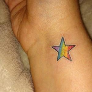 tatuaje pequeño de estrella