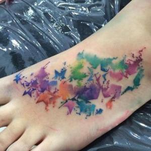 tatuajes acuarela de estrellas