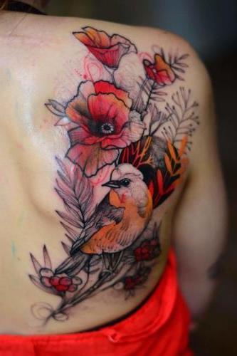 tattoo flores espalda mujer