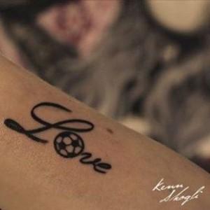 tatuaje amor futbol
