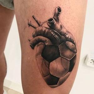 tatuaje corazon futbolero