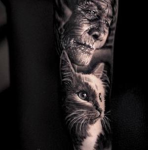 tatuaje de gato y viejo