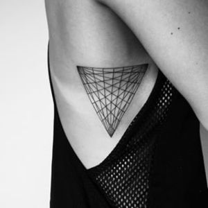 tatu geometrico