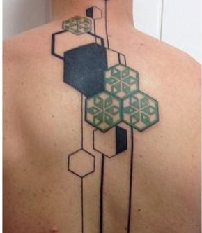 tatuaje para hombre geometrico