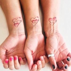 tatuajes para pareja de hermanas