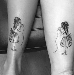 tatuajes para parejas de hermanas