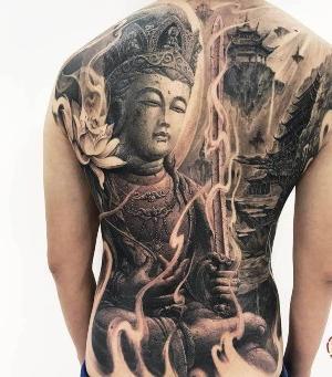tatuaje para hombres en negro