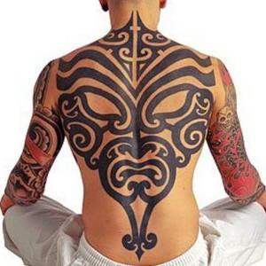tatuaje para hombres maori