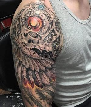 imagen de tatuaje para hombre hombro