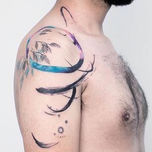 los tatuajes mas bonitos para hombre en el hombro