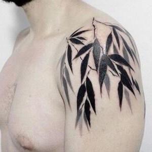 los tatuajes mas chulos para hombre en el hombro