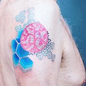 tatuajes geometricos en el hombro