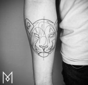 tatuaje antebrazo felino