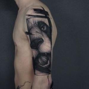 tatuaje de perro para hombre en el brazo