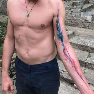 tatuaje original en el brazo