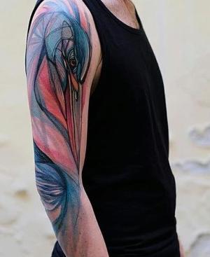 tatuajes de aves en el brazo