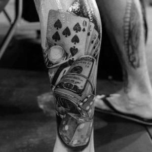 tatuaje hombre piernas