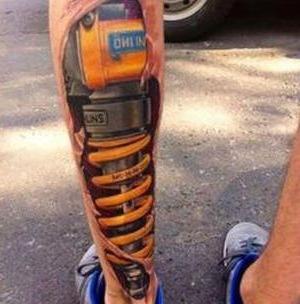 tatuajes biomecanicos para hombres